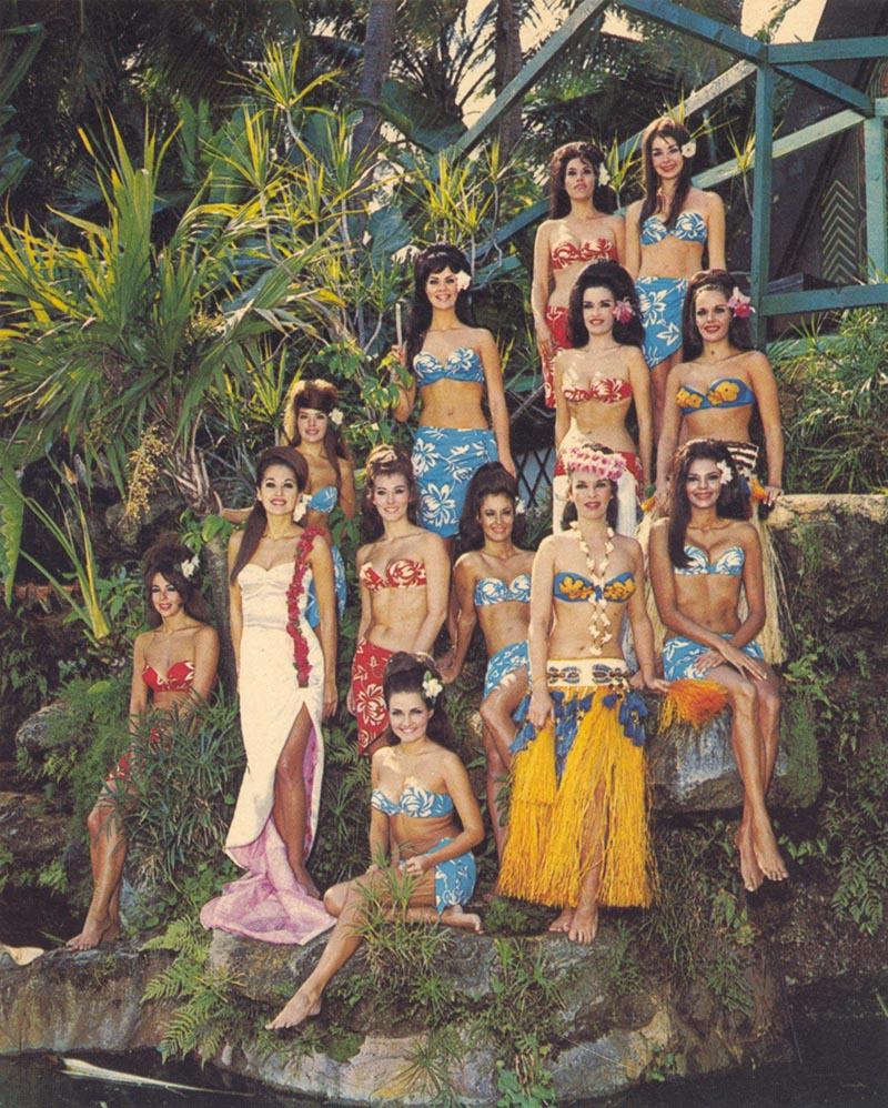 Photo from past of Mai-Kai women on the waterfall in the Mai-Kai garden.