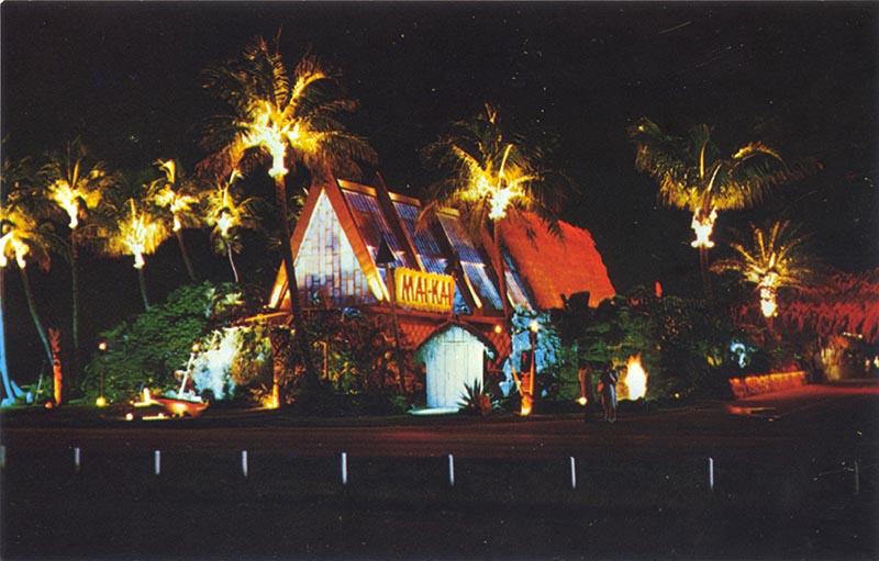 Old color photo of the Mai-Kai exterior.